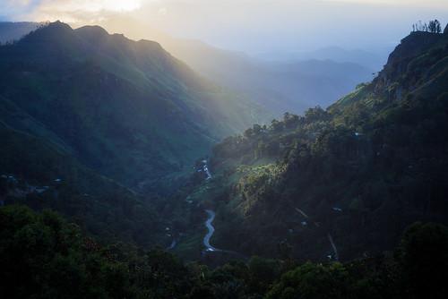 mountain sunrise country hill ella verdant rays srilanka lush uvaprovince