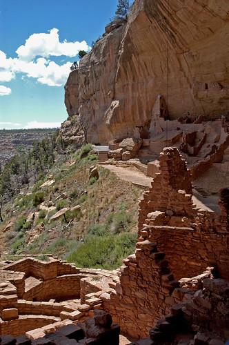 mesaverde nationalpark nps nationalparkservice america usa colorado dwelling cliff pueblo rock stone overhang vista scfiasco siasoco edsiasoco