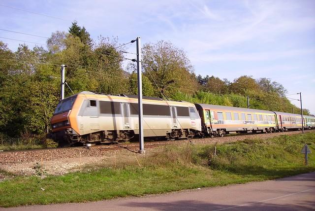 Locomotive électrique et voitures