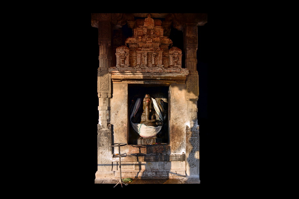 India - Tamil Nadu - Thanjavur - Brihadeshvara Temple - Ga