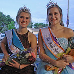 2016 Queen Raven Knapp & Teen Queen Jessica Maak in the Carriage