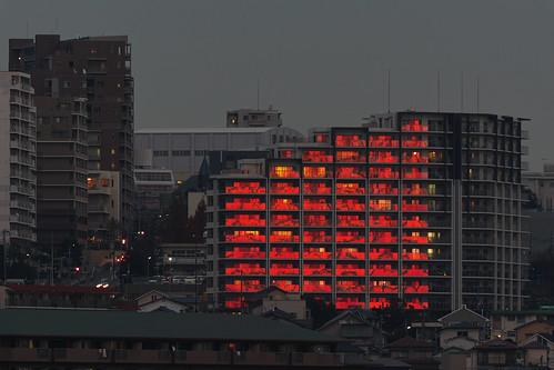park city sunset reflection building japan town sigma 300mm teleconverter merrill foveon 夕焼け eveningglow sd1 日没 反射 20x 600mm 120300mm sigma120300mm sigma120300mmf28 tc2xex sigma12030028 大蔵海岸 sd1merrill