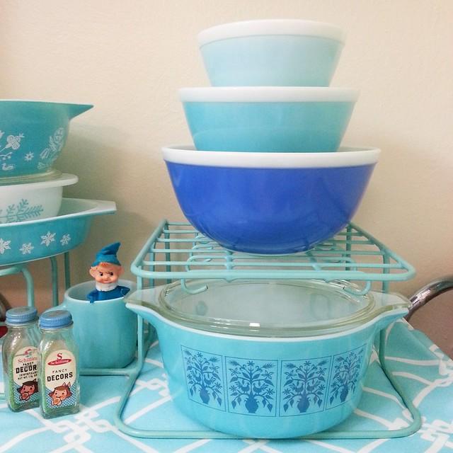Pyrex Multitone Blue Bowls