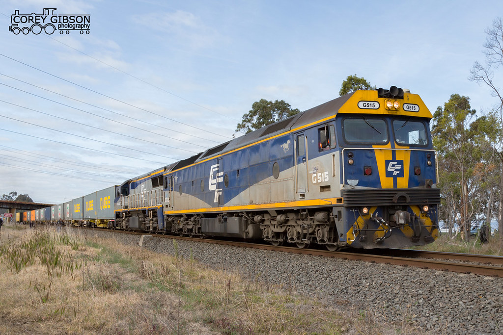 G515 & VL362 departs Morwell with the 9476 up Qube Maryvale paper train by Corey Gibson
