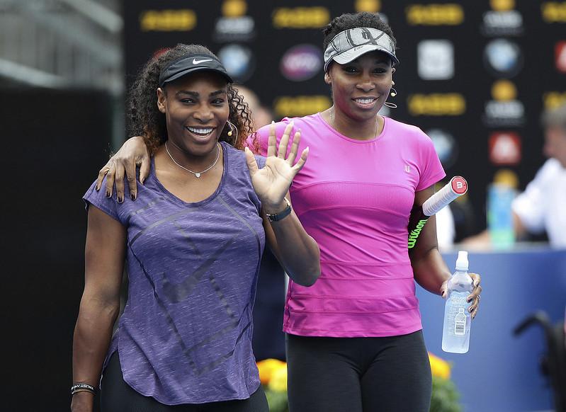 Serena Williams(左)與Venus Williams。(達志影像資料照)