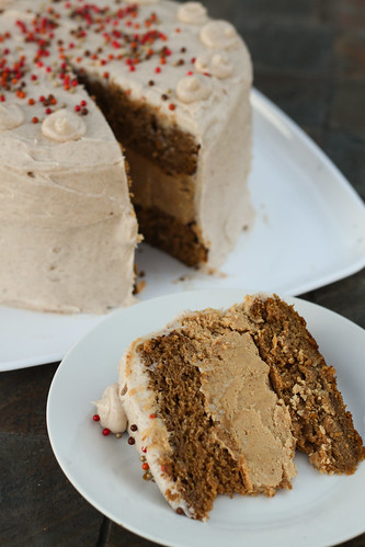 Pumpkin Cheesecake Cake with Spiced Cream Cheese Buttercream | by niftyfoodie