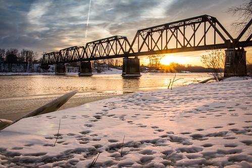 bridge sunset ohio snow canon river landscape maumeeriver providencemetropark lucascounty toledometroparks kmsmith