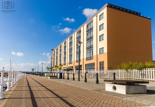 hotel building sthelier jersey channelislands nikon d5100 architecture urban promenade