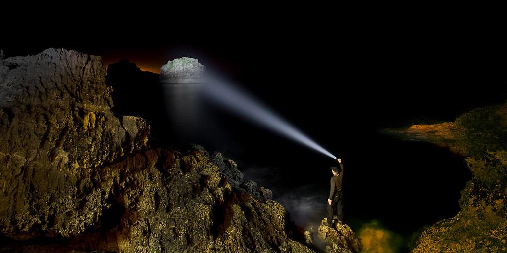 Man Like A Lighthouse (Led Lenser X7R) | Light Painting & Li