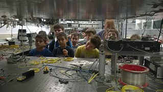 Visit of 4th grade school children at National Technical University of Athens (Photonics Communication Research Laboratory) | by EPIC Photonics