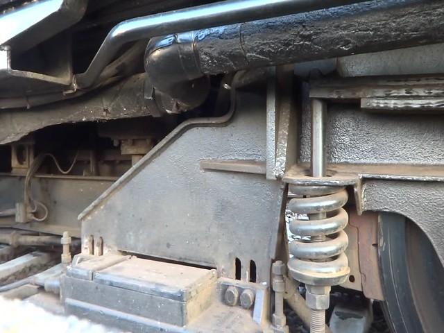 1951 Roter Brummer genannter Dieseltriebwagen DTW 01 Anton von Maschinenfabrik Esslingen Werk-Nr. 23350 im Hauptbahnhof Kölner Platz in 39104 Magdeburg