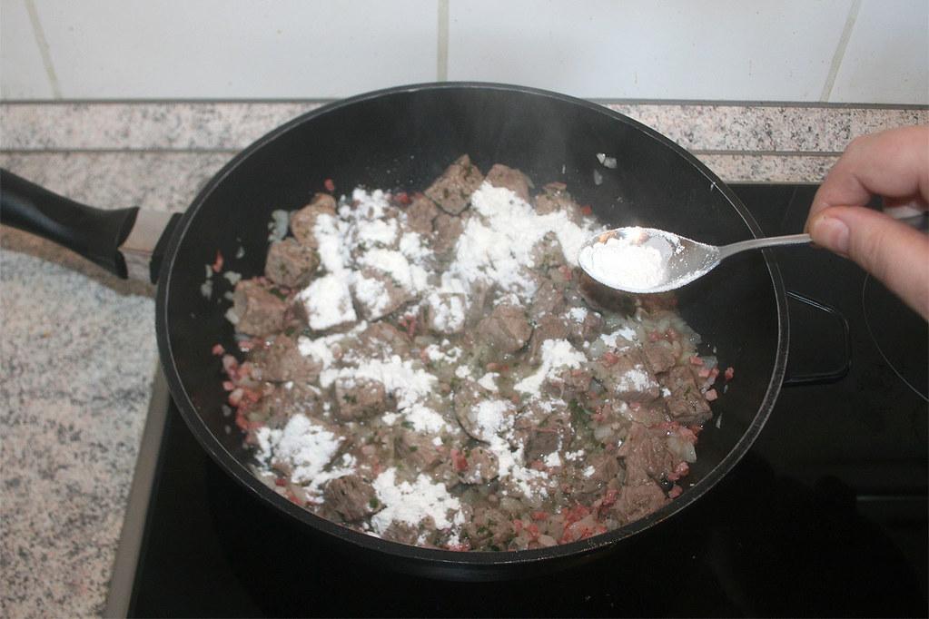 22 Mit Mehl Bestauben Dredge With Flour Rezept Rec