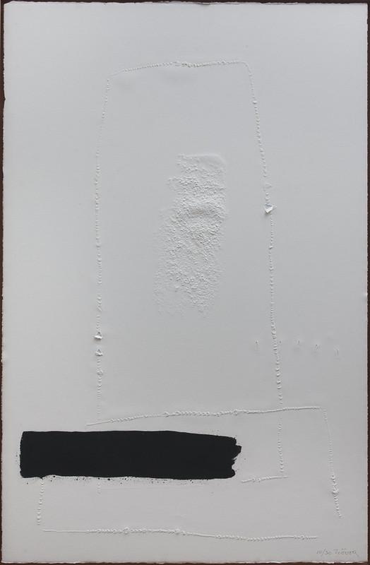 Aguafuerte blanc a trance noir et dechirures