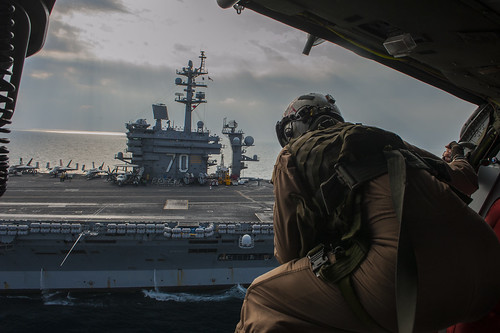USS Carl Vinson (CVN 70)_141215-N-ZP059-384 | by U.S. Naval Forces Central Command/U.S. Fifth Fleet