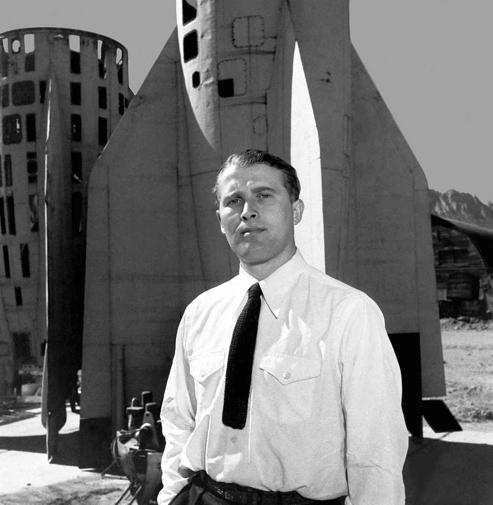 Wernher Von Braun German Scientist In Usa White Sands