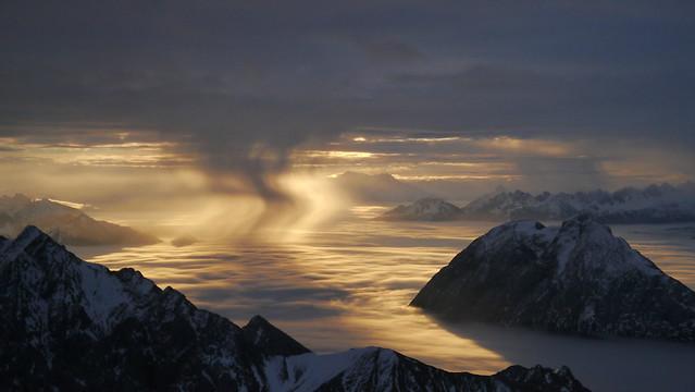 Virga bei Sonnenaufgang