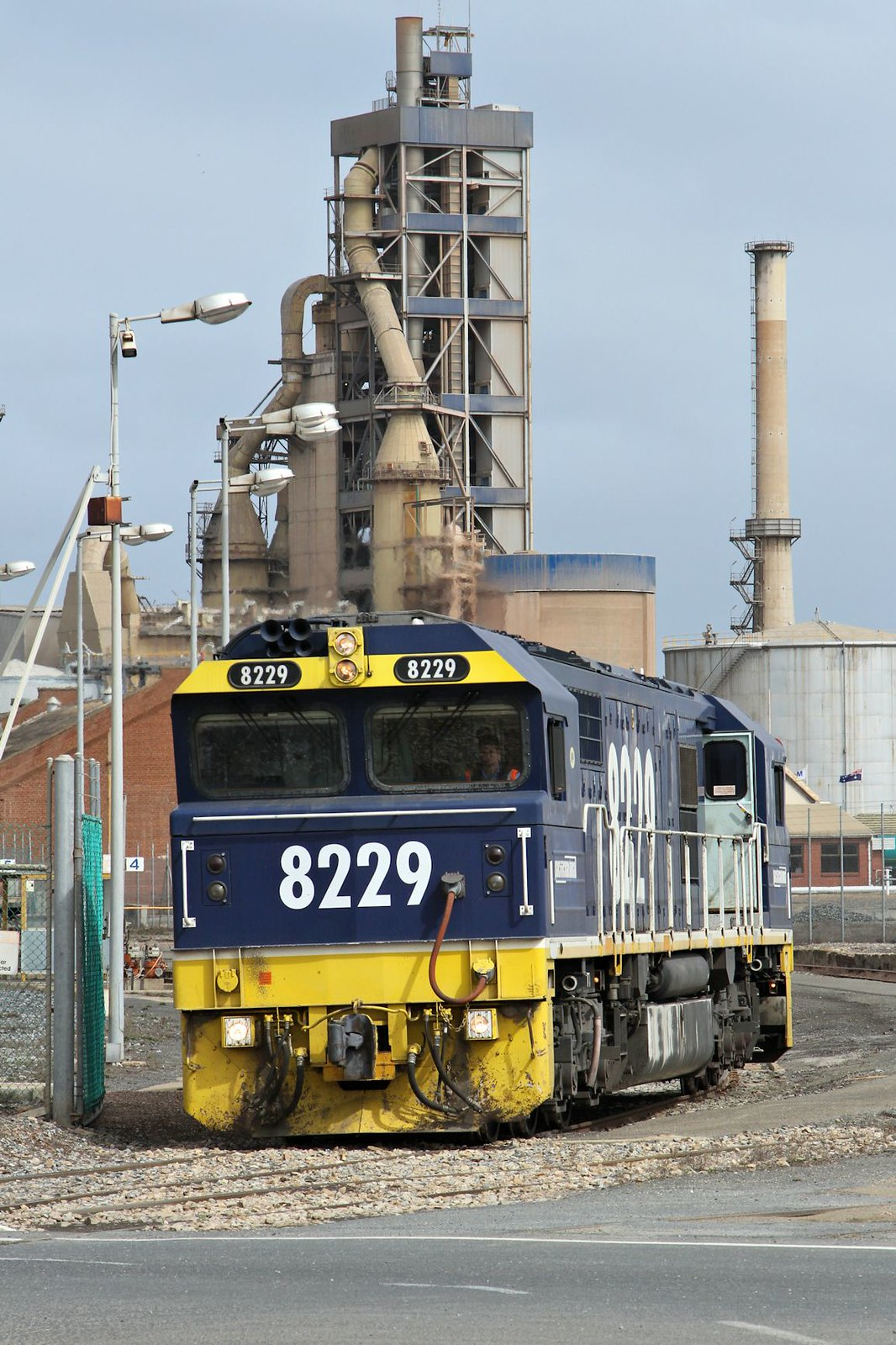 8229 1115s Mobil Shunt Birkenhead-A 10 09 2014 by Daven Walters
