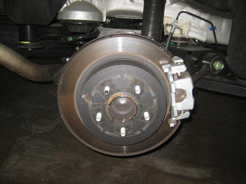 2013-2016 Nissan Pathfinder Rear Disc Brakes - Changing Pads - Rotor