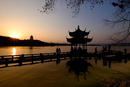 china sunset pagoda westlake hangzhou 中国 西湖 杭州 fujiflmxt1