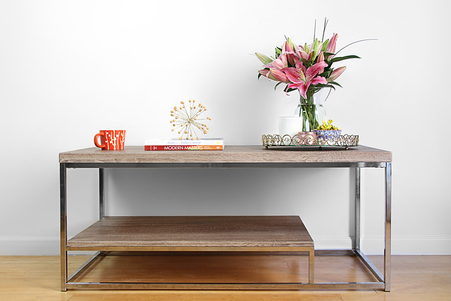 Coffee table with lilies
