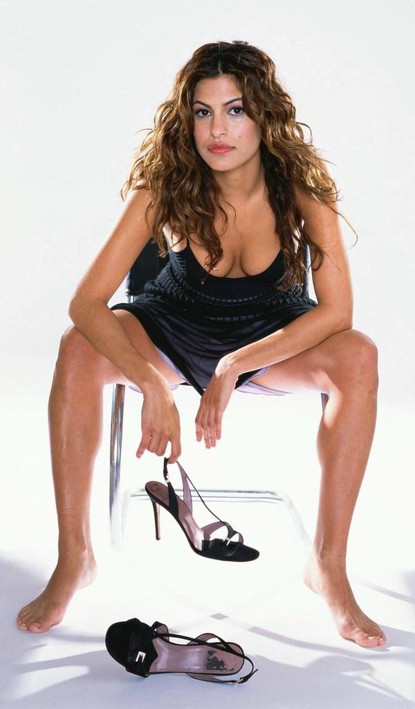 Eva Mendes (68)   ♤I Love Feet & Shoes♤   Flickr