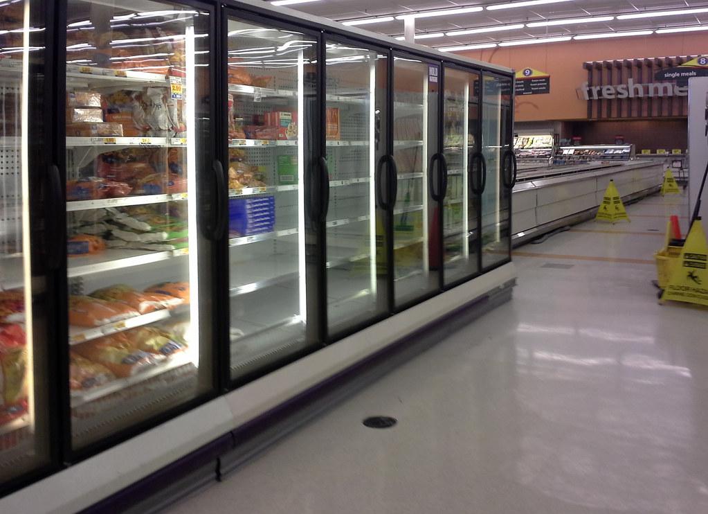 Southaven greenhouse Kroger update -  transplanted freezers (with millennium décor trim)! (explored)