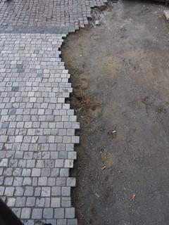 PRAHA/ PRAGUE Sidewalk Stone Mosaic / chodnik kamenne dlazdeni - P5210558