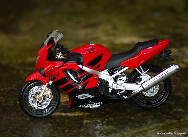 Honda cbr 600 f4 1999 (3)