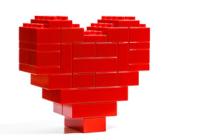 4K Retina resolution wallpaper 16:10 - Big Red Duplo Heart | by Latente 囧 www.latente.it