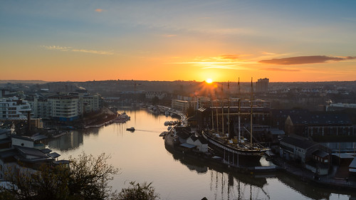 ferry sunrise bristol cityscape ships ssgreatbritain floatingharbour