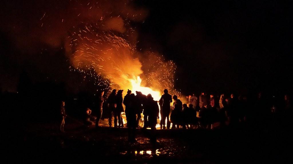 Burning Christmas Tree.Christmas Tree Burning Cedric Deheyder Flickr