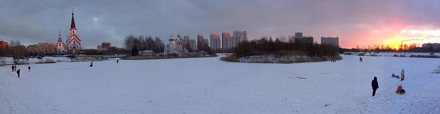 Mood of a season, mood of a city