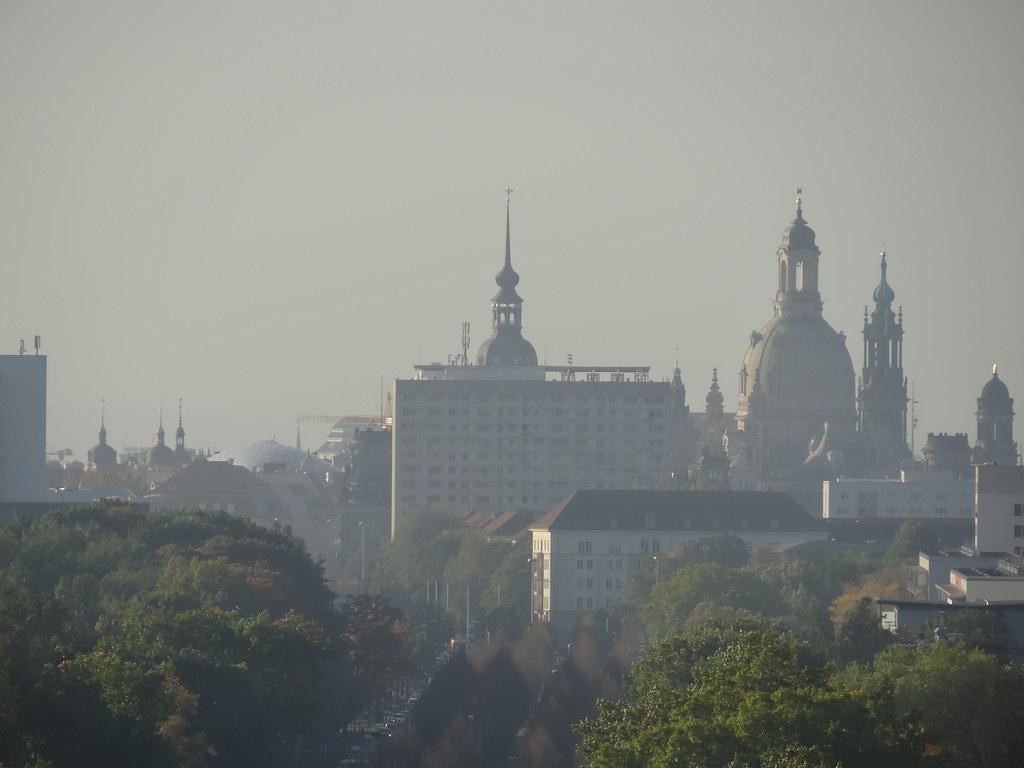 Dresden Altstadt, Kuppel der Frauenkirche am Neumarkt, katholische Hofkirche, Hausmannsturm, Residenzschloss, Kreuzkirche, Semperoper,