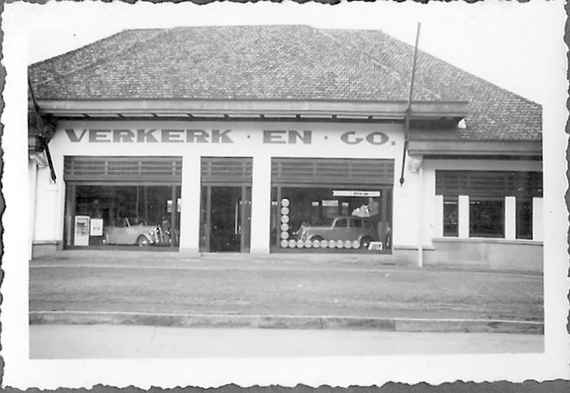 Car company Verkerk en Company in Batavia-Center around 1939 Dutch East Indies
