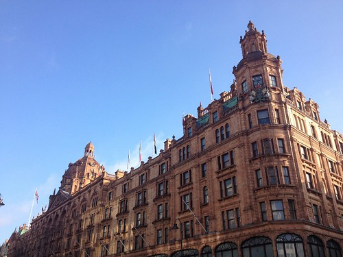 Harrods ready for christma (London 2014) | by paularps