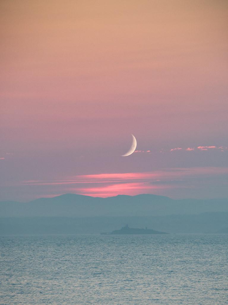 Moonrise Newhaven