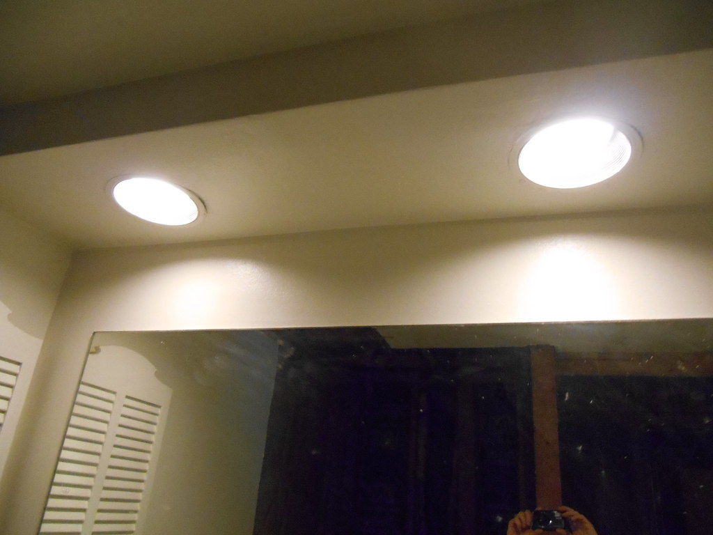 Delicieux Recessed Lights In Master Bathroom Soffit