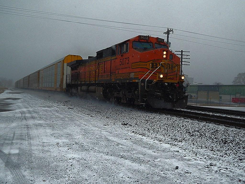 BNSF at Kendallville Indiana