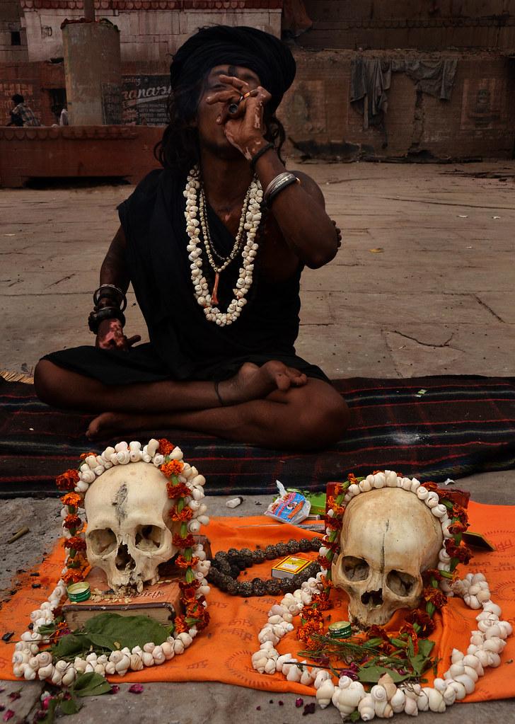 aghori sadhu | Aghori young sadhu smoking near cerimonial sk… | Flickr