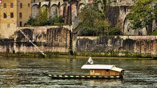 basel basilea rin rhein rio river ferry transbordador baslerfähren suiza suisse schweiz switzerland 瑞士 스위스 švica ελβετία zwitserland svizzera スイス швейцария स्विट्जरलैंड isviçre