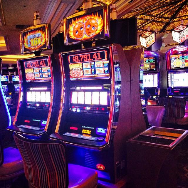 Игровые автоматы играть онлайн без регистрации бесплатно клубнички