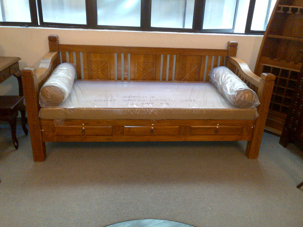 Daybed Teak Daybed With Drawers Indoor Furniture Teak Wood Flickr