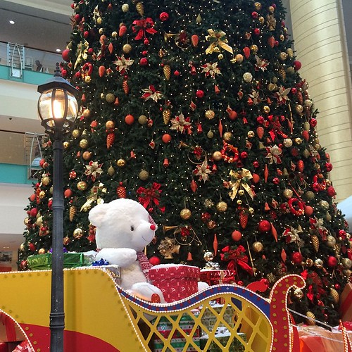 Christmas is in the air at Abu Dhabi Mall | by ToGa Wanderings