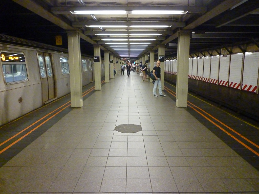 Taigatrommelchen 201409069 New York City Subway Station 57th Street