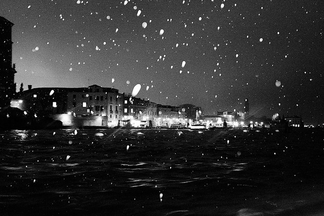 SNOWING IN VENICE