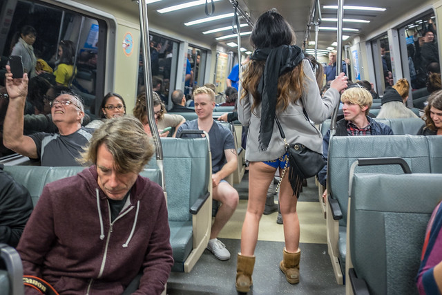 No Pants Subway Ride 2015: animadverts disparities