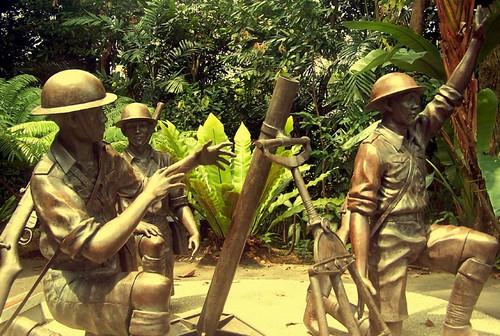 圖03為紀念昔之「鴉片山戰役」而塑建之銅像