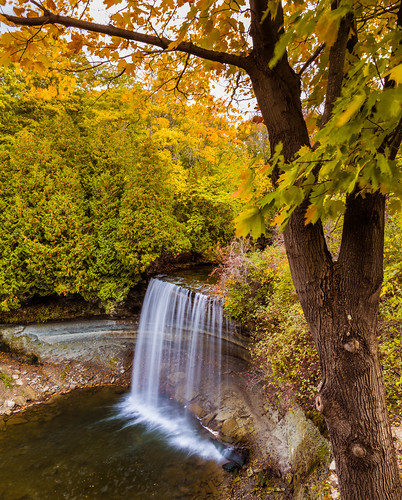 bridalveilfalls canada kagawong kagawongriver manitoulinisland ontario autumn autumncolors autumncolours fall fallcolors fallcolours fallfoliage foliage leaves trees waterfall ca