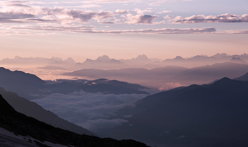 stubai stubital alps austria austrianalps tyrol mairspitze wilderfreiger botzel wilderpfaff zuckerhutl mullerhutte glacier sunrise pink