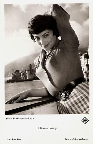 Hélène Rémy in Pezzo, capopezzo e capitano (1958)
